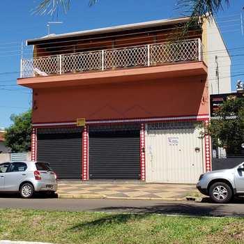 Salão em Pirassununga, bairro Jardim São Fernando