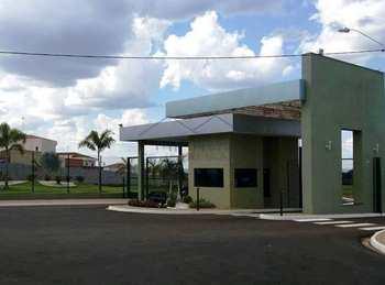 Terreno de Condomínio, código 10131605 em Pirassununga, bairro Jardim Primavera