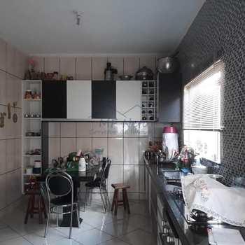 Casa em Pirassununga, bairro Jardim Treviso