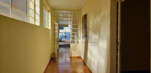 Casa, código 10131675 em Pirassununga, bairro Centro