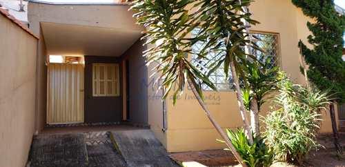 Casa, código 10131677 em Pirassununga, bairro Centro