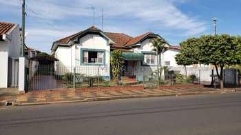 Casa, código 10131704 em Pirassununga, bairro Centro