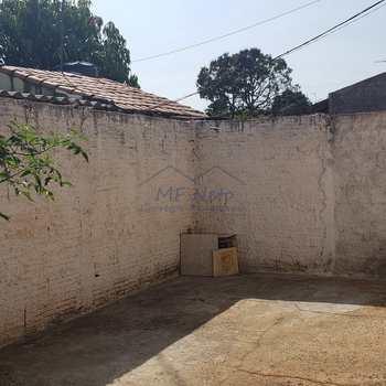 Casa em Pirassununga, bairro Centro