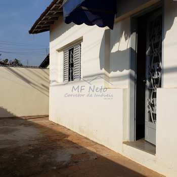 Casa em Pirassununga, bairro Vila Santa Terezinha