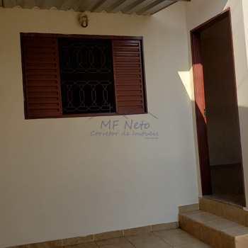 Casa em Pirassununga, bairro Vila Pinheiro