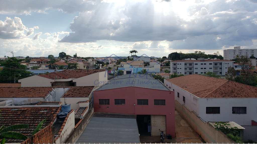 Sobrado em Pirassununga, no bairro Centro