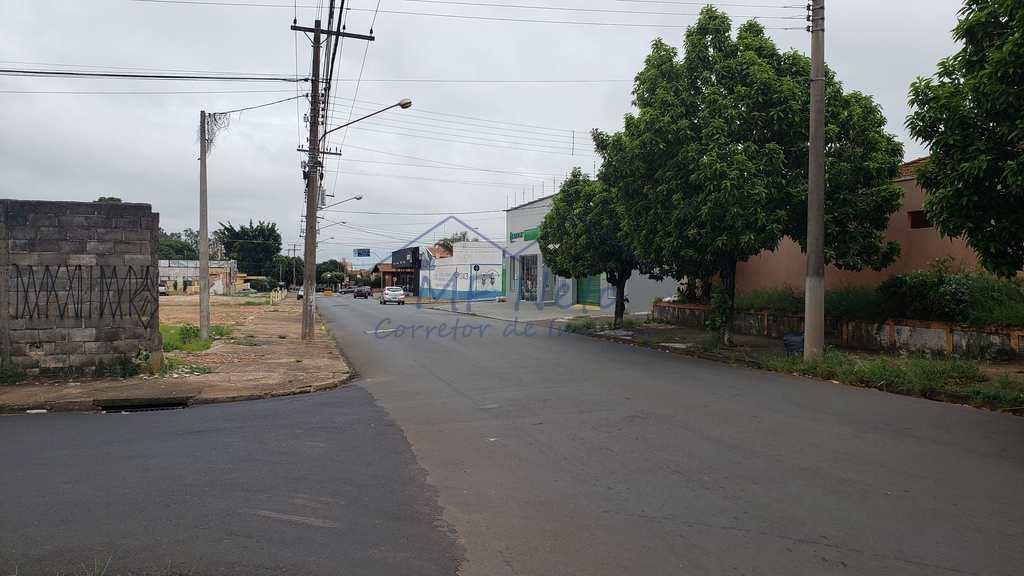 Terreno em Pirassununga, no bairro Centro