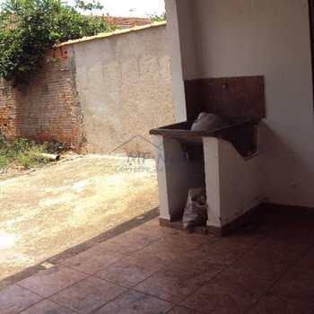 Casa em Pirassununga, bairro Vila São Pedro
