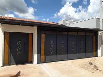 Casa, código 10131768 em Pirassununga, bairro Jardim Kanebo