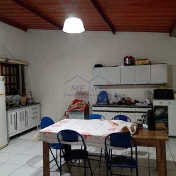Casa em Pirassununga, bairro Jardim Veneza