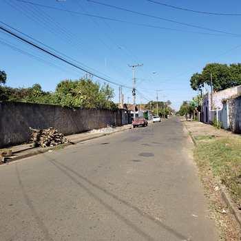 Chácara em Pirassununga, bairro Vila Santa Fé