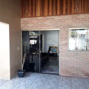Casa em Pirassununga, bairro Jardim Elite