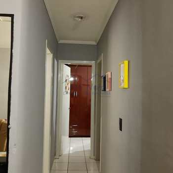 Apartamento em Pirassununga, bairro Jardim Santa Rita