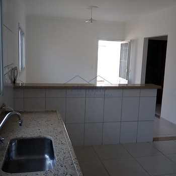 Casa em Pirassununga, bairro Jardim Ferrarezzi