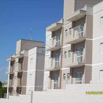 Apartamento em Pirassununga, bairro Vila Braz