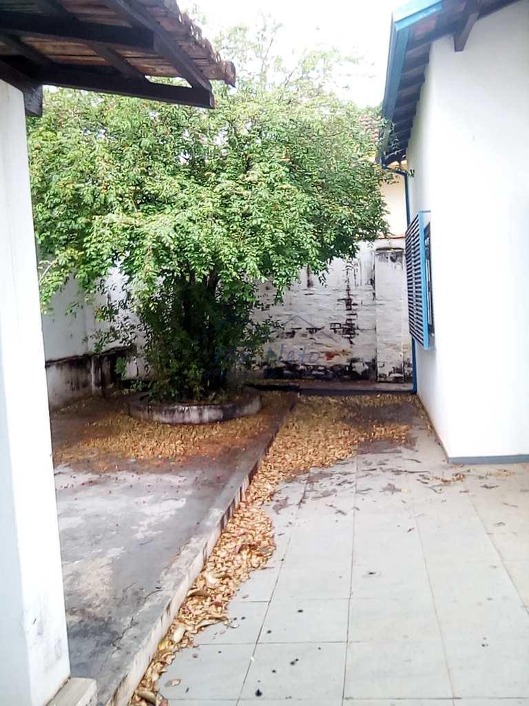 Prédio Comercial em Pirassununga, no bairro Centro