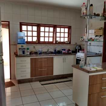 Casa de Condomínio em Porto Ferreira, bairro Jardim Residencial Las Palmas
