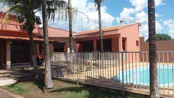 Casa de Condomínio, código 10131906 em Porto Ferreira, bairro Jardim Residencial Las Palmas