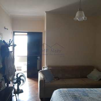 Apartamento em Pirassununga, bairro Centro