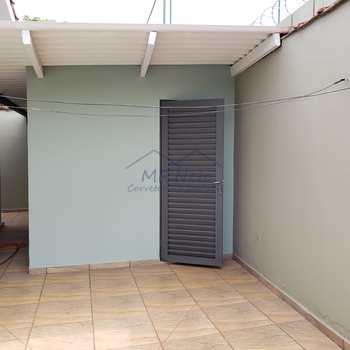Casa em Pirassununga, bairro Jardim Primavera