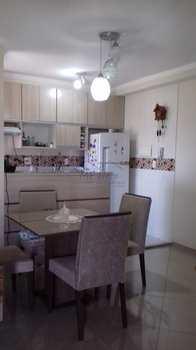 Apartamento, código 10131945 em Pirassununga, bairro Vila Santa Terezinha
