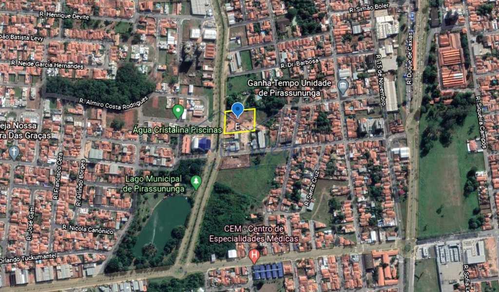 Área Comercial em Pirassununga, bairro Centro