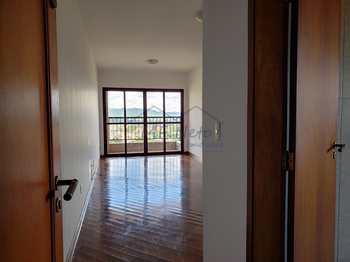 Apartamento, código 10131949 em Pirassununga, bairro Centro