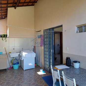 Casa em Pirassununga, bairro Loteamento Verona