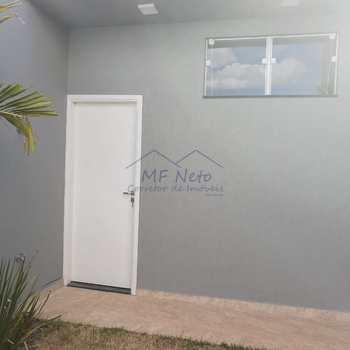 Casa de Condomínio em Pirassununga, bairro Jardim Petrópolis