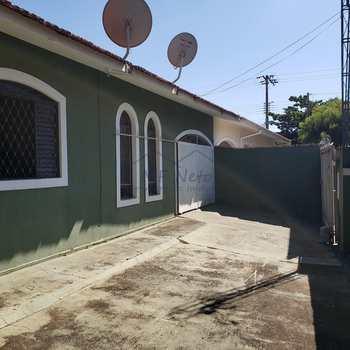 Casa em Pirassununga, bairro Jardim Venona I