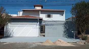 Sobrado, código 10131994 em Pirassununga, bairro Jardim Terras de San José