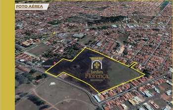 Terreno de Condomínio, código 10132031 em Pirassununga, bairro Centro