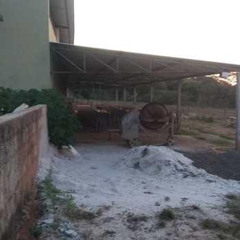 Armazém ou Barracão em Pirassununga, bairro Vila Constituição
