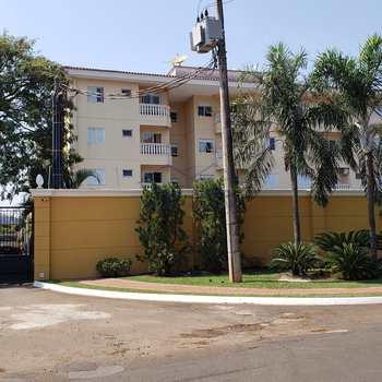 Apartamento em Pirassununga, bairro Jardim Europa