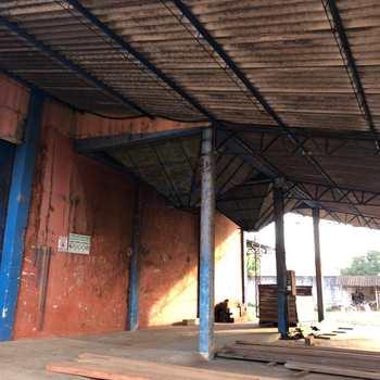 Galpão em Pirassununga, bairro Vila Nova