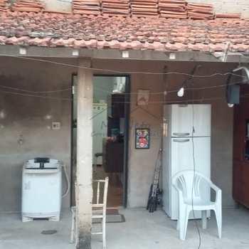 Casa em Pirassununga, bairro Jardim Margarida