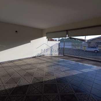 Casa em Pirassununga, bairro Jardim Carlos Gomes