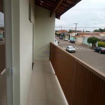 Apartamento em Pirassununga, bairro Jardim Kamel