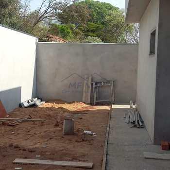 Casa de Condomínio em Pirassununga, bairro Jardim Primavera