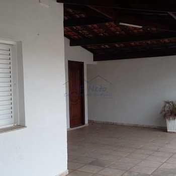 Casa em Pirassununga, bairro Vila Brasil