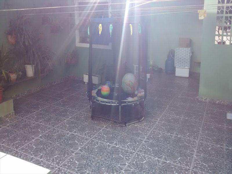 Sobrado em Taboão da Serra, bairro Jardim Record