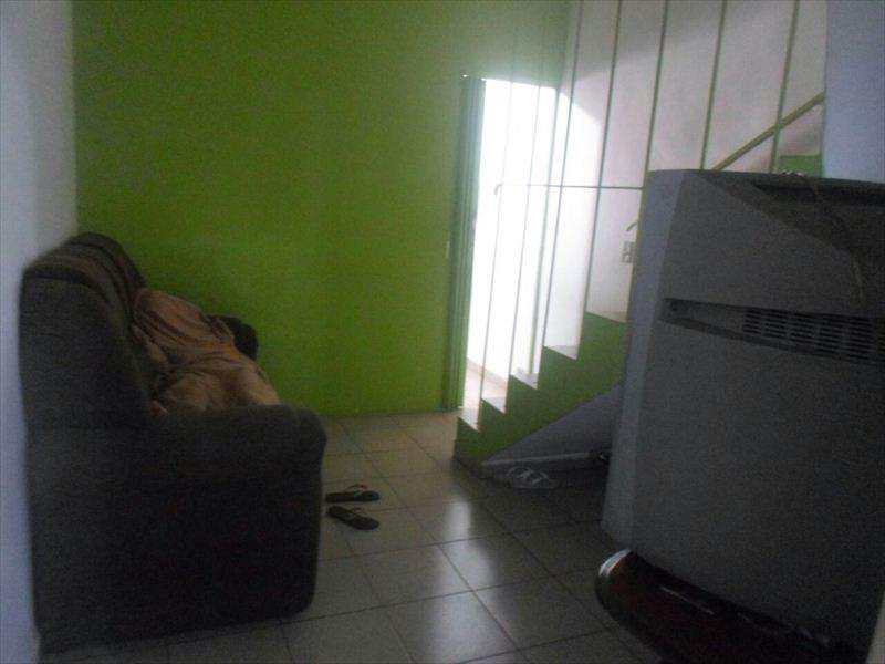 Sobrado em Taboão da Serra, bairro Jardim Henriqueta
