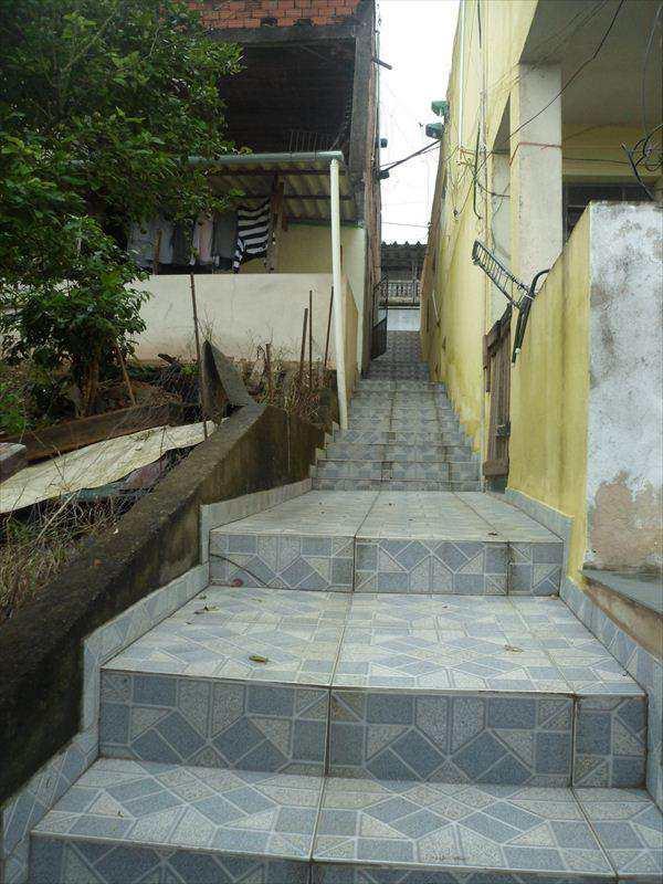 Casa em Embu das Artes, bairro Engenho Velho