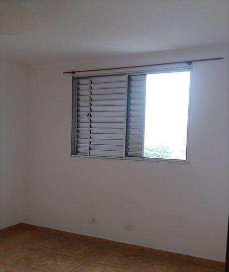 Apartamento em Taboão da Serra, bairro Jardim Ouro Preto