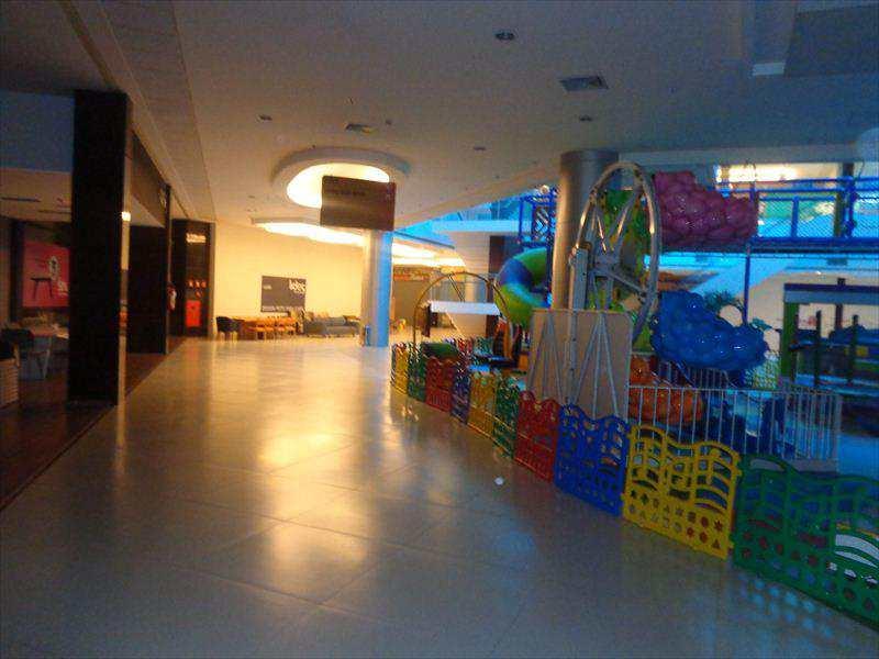 Sala Comercial em Taboão da Serra, bairro Jardim Maria Rosa