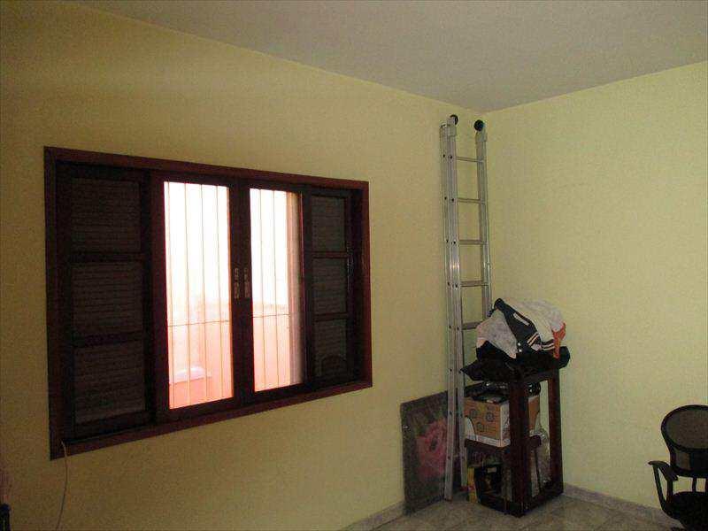 Casa em Taboão da Serra, bairro Centro