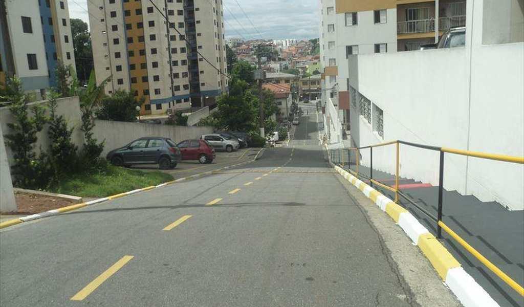 Apartamento em Taboão da Serra, bairro Jardim Henriqueta