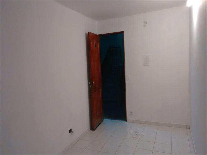 Apartamento em Taboão da Serra, bairro Parque Pinheiros