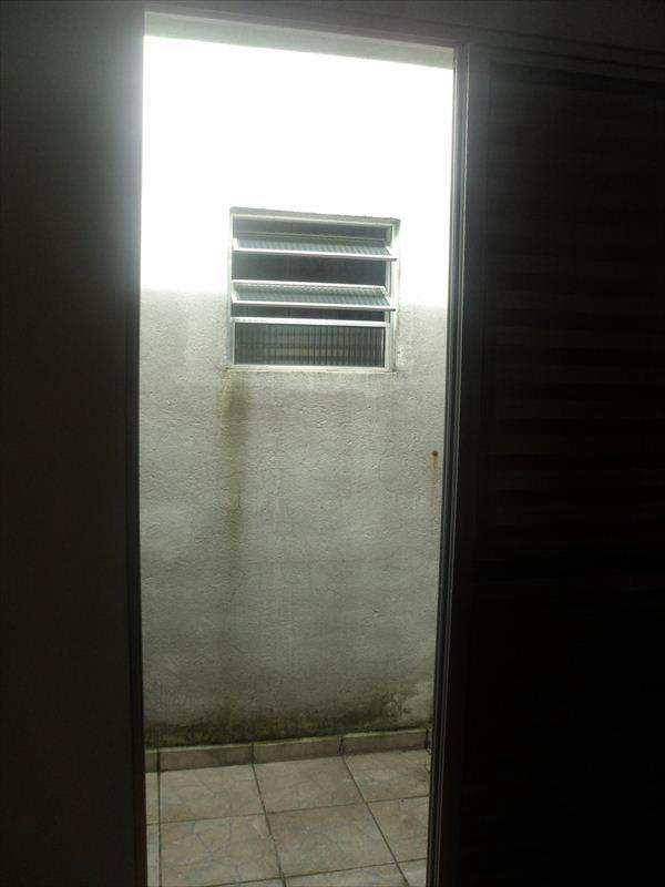 Sobrado em Taboão da Serra, no bairro Jardim Maria Rosa