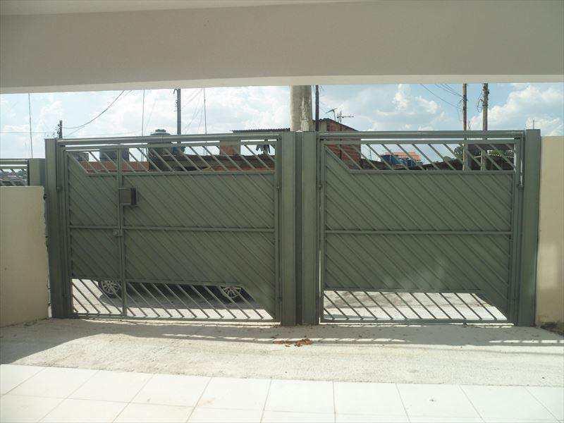 Sobrado em Taboão da Serra, bairro Parque Pinheiros